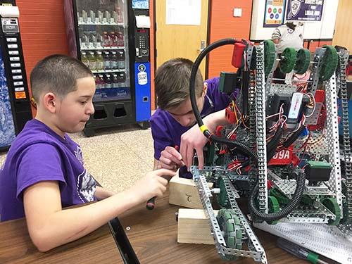 Longfellow Robotics Team Preparing